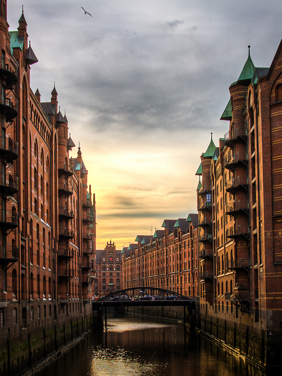 Why You Should Book A Tour To Hamburg in 2021